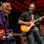 Andy Aledort and Warren Haynes - by Arnie Goodman